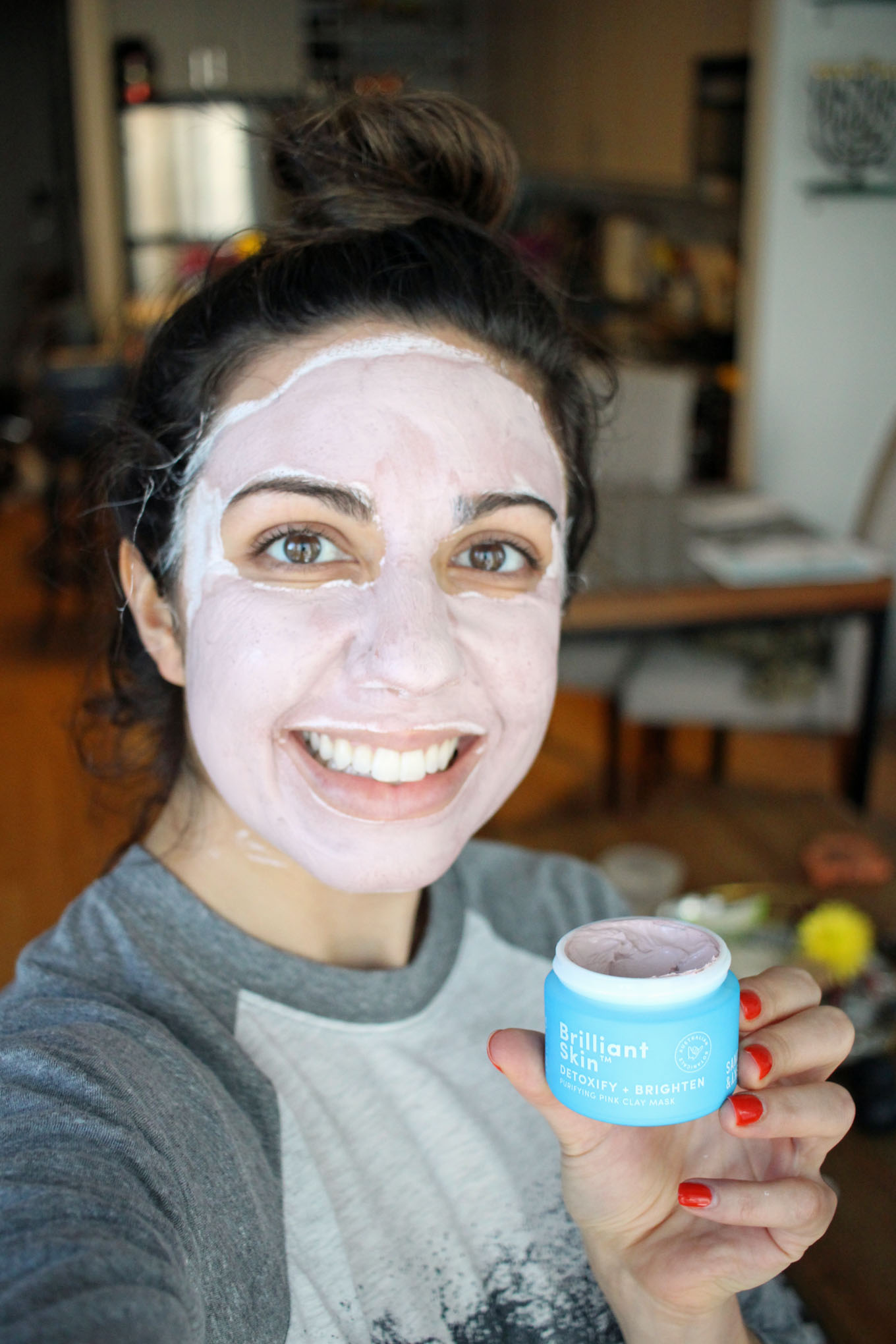 Lifestyle blogger Roxanne of Glass of Glam's Sand and Sky Pink Mask Review - Sand & Sky Australian Pink Clay Mask Review b y Dc beauty blogger Glass of Glam - Top 6 Skin Emergency Products by popular Chicago style blogger Glass of Glam