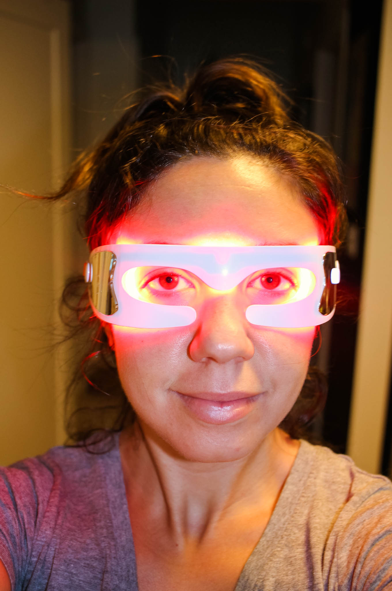 Lifestyle blogger Roxanne of Glass of Glam's review of Dr. Dennis Gross SpectraLite EyeCare Pro - Look & Feel Like A Superhero with the SpectraLite EyeCare Pro by popular DC beauty blogger Glass of Glam