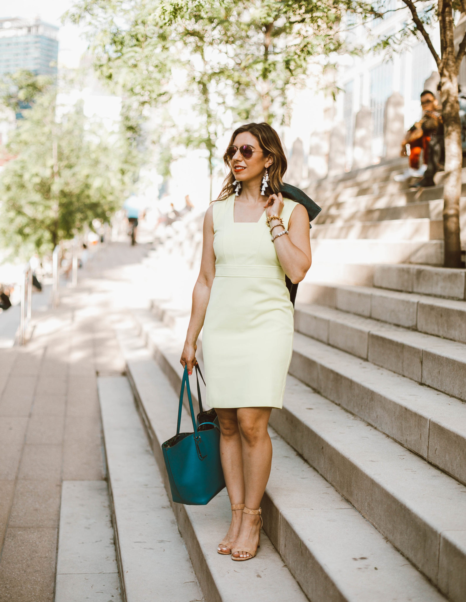 The V Neck Sheath Dress I Didn't Bring To Vegas & On Mondays We Link Up (#71) featured by popular Chicago fashion blogger Glass of Glam