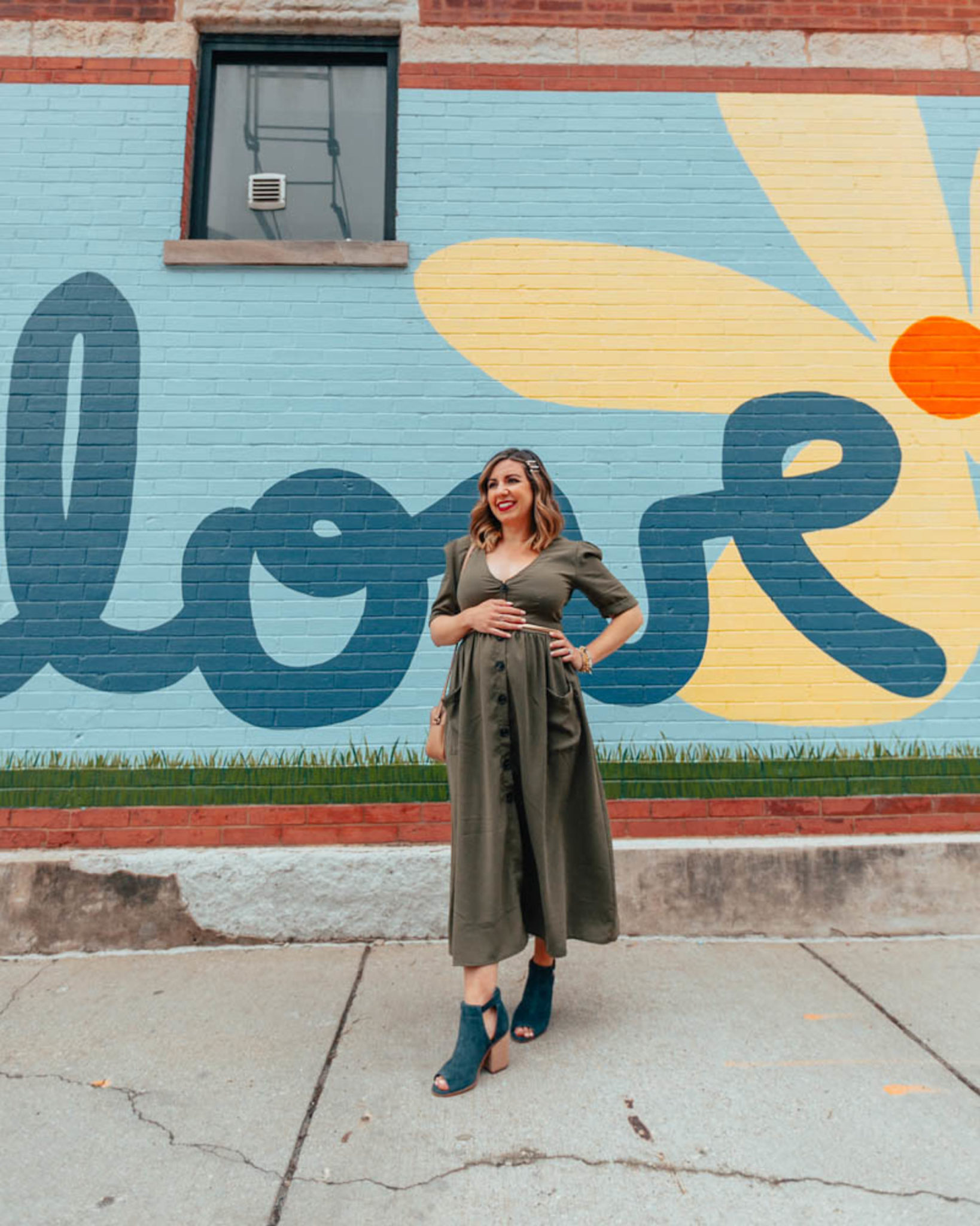 Top 5 Things About Pregnancy to know featured by top US fashion blog, Glass of Glam: image of a pregnant woman wearing a SheIn midi dress, Sole Society booties and a Gucci circle leather bag