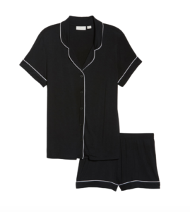 My Postpartum Outfit Game Plan & On Mondays We Link Up (#127) by popular Chicago fashion blog, Glass of Glam: image of a My Postpartum Outfit Game Plan & On Mondays We Link Up (#127) by popular Chicago fashion blog, Glass of Glam: image of a black and white pj set.